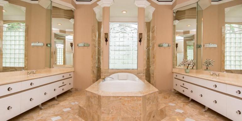 11781 NW 9th Street Plantation-MLS_Size-034-Master Bath-800x600-72dpi