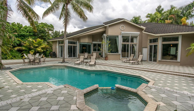 11781 NW 9th Street Plantation-MLS_Size-048-Exterior  Back-800x600-72dpi