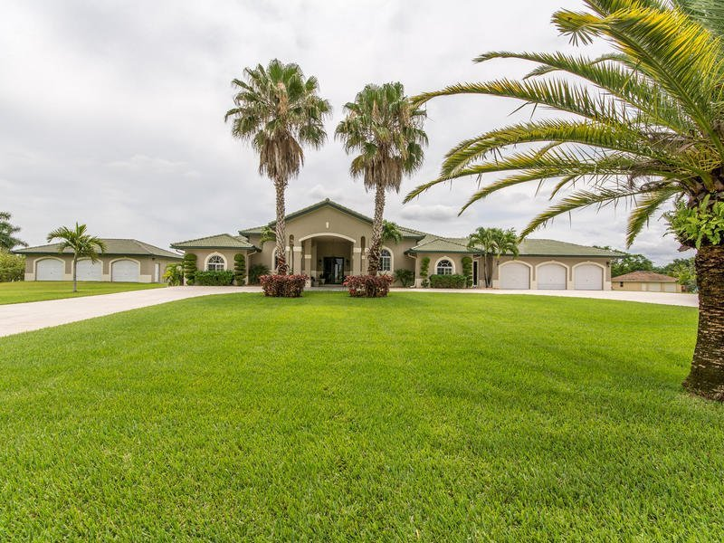 5800 SW 198 TERRACE – SOUTHWEST RANCHES, FL