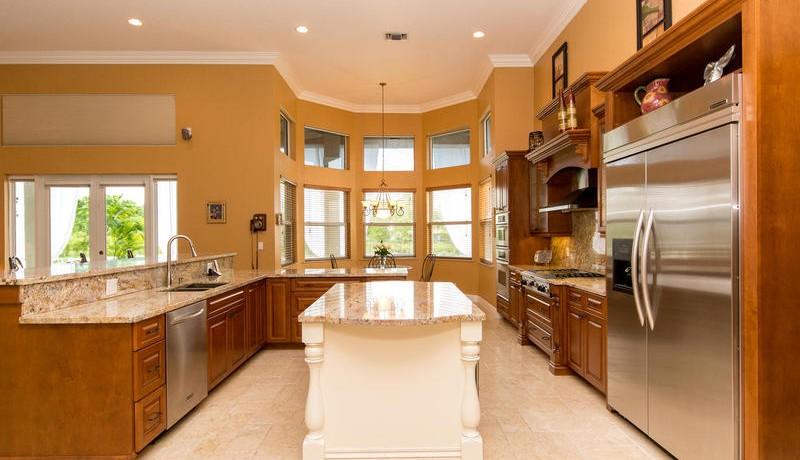 5800 SW 198th Terrace-MLS_Size-028-Kitchen-800x600-72dpi