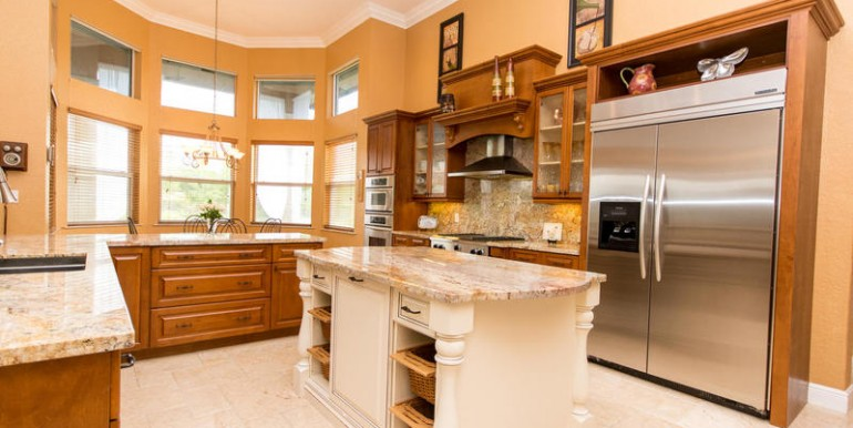 5800 SW 198th Terrace-MLS_Size-030-Kitchen-800x600-72dpi