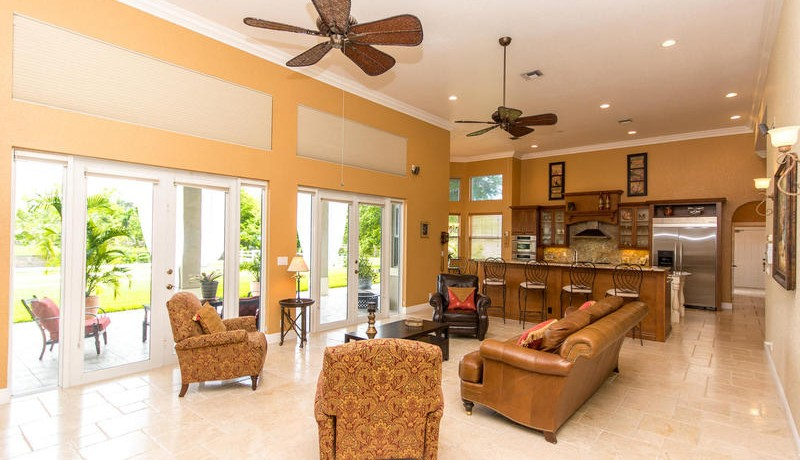 5800 SW 198th Terrace-MLS_Size-040-Living Room-800x600-72dpi
