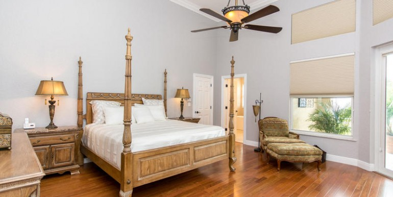 5800 SW 198th Terrace-MLS_Size-041-Master Bedroom-800x600-72dpi
