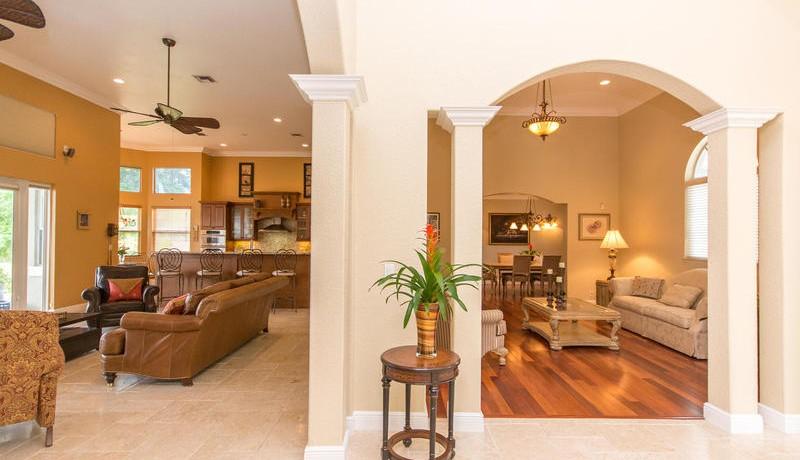 5800 SW 198th Terrace-MLS_Size-054-Living Room-800x600-72dpi