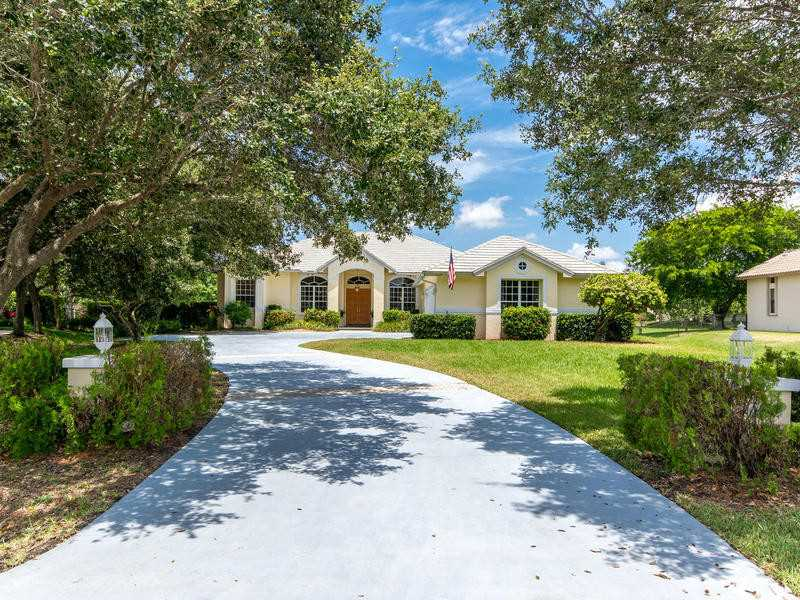 11624 NW 5 STREET – PLANTATION ACRES, FL