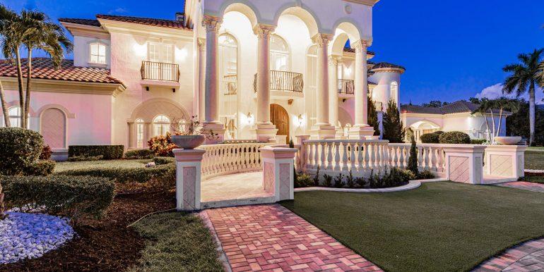 5900 Estates Dr Southwest-013-010-DSC0816-MLS_Size