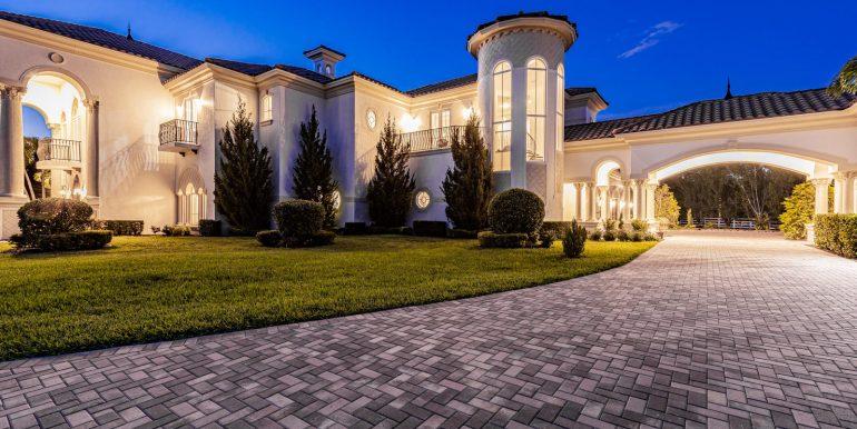 5900 Estates Dr Southwest-018-035-DSC0822-MLS_Size