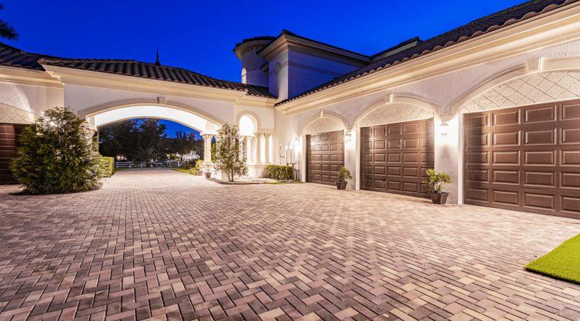 5900 Estates Dr Southwest-021-016-DSC0827-MLS_Size