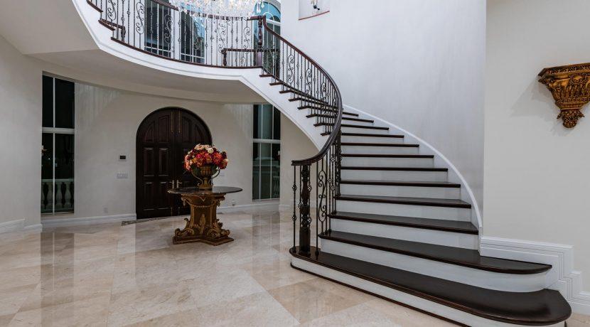 5900 Estates Dr Southwest-036-028-DSC0848-MLS_Size